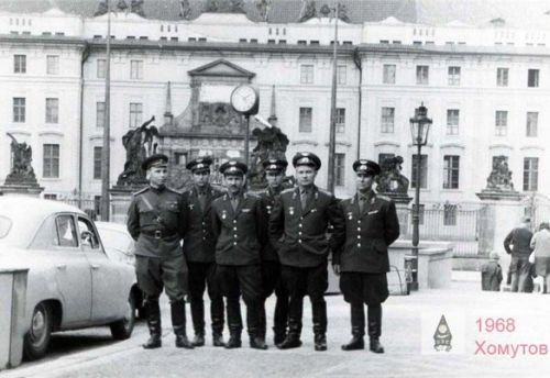 The crew of 164th independent Guard Reconnaissance Air Regiment visited Prague in 23 July 1968.
