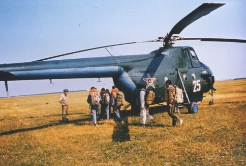 Bulgarian Air Regiment Mi-4 Hound in the eighties. Source: pan.bg Retrospotters