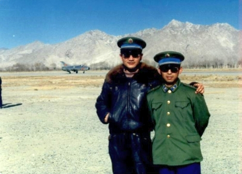 Chinese J-7II (MiG-21) 'Fishbed' on the top of the world in Tibet